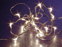 Vorschau: LED-Lichterkette, Silberdraht, 20 LEDs, kaltweiß, Batteriebetrieb, Timer