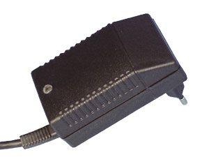 Stecker-Schaltnetzteil FW7002