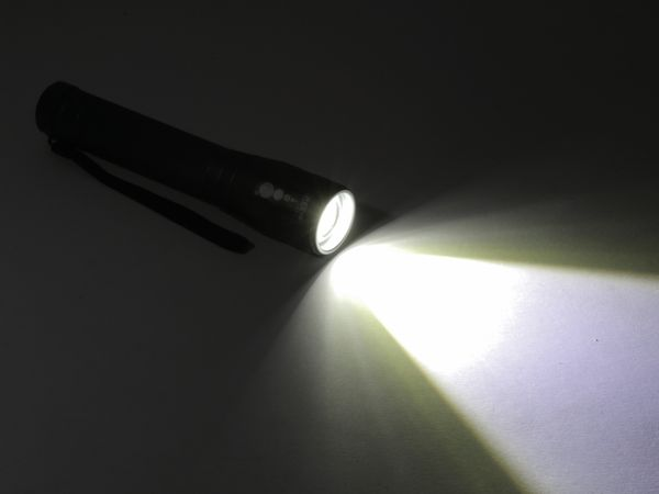 LED-Taschenlampe, Alu, 10 W CREE-LED, Fokus-Zoom Licht, anthrazit - Produktbild 4