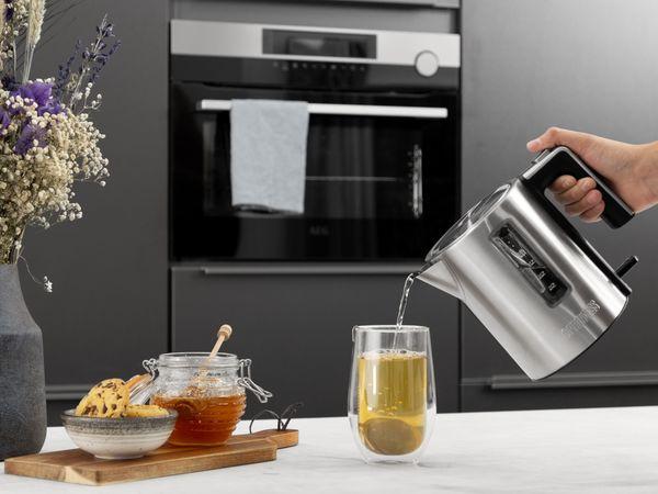 Wasserkocher PRINCESS 236045 Deluxe, 1 L, 2200 W, Edelstahl - Produktbild 2